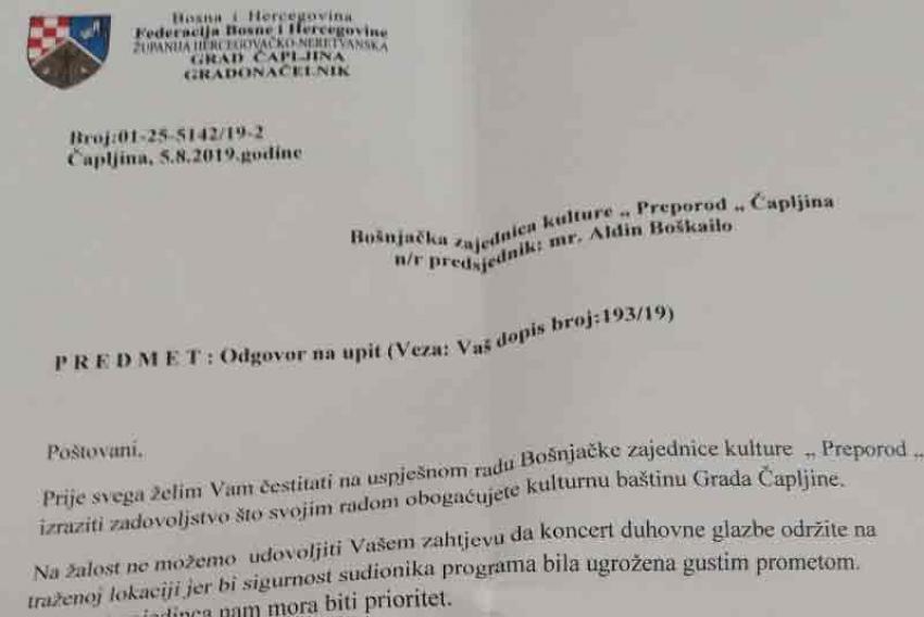 Gradonačelnik Čapljine Smiljan Vidić nije dozvolio održavanje bajramskog koncerta ispred Osnovne škole u Domanovićima
