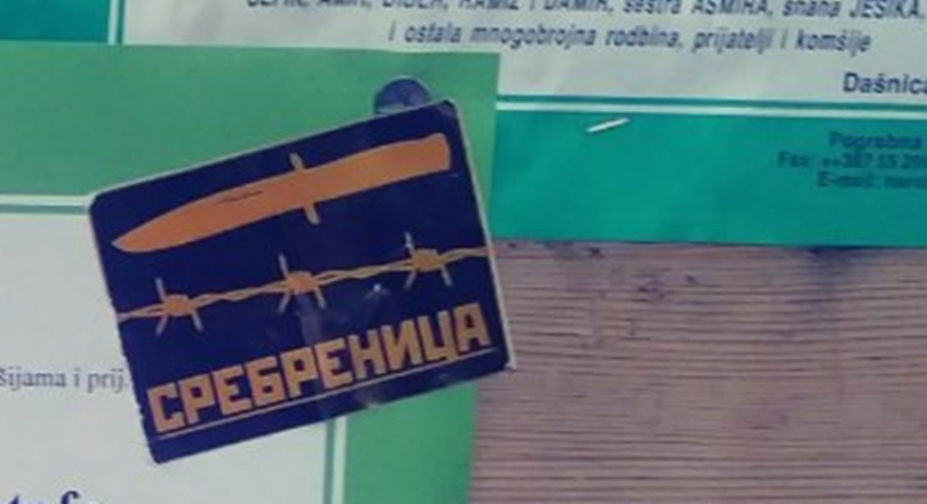 """Na haremu džamije: """"Nož, žica, Srebrenica"""""""