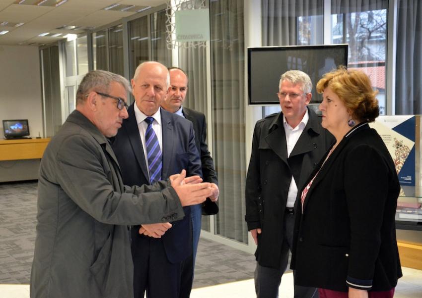 Kantonalni ministri posjetili Gazi Husrev-begovu biblioteku i medresu