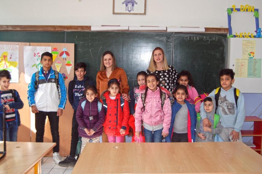 Bihać - Jedan dan s djecom migranata u školi