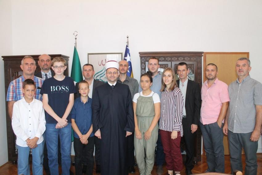 Muftija Dedović s najboljim učenicima