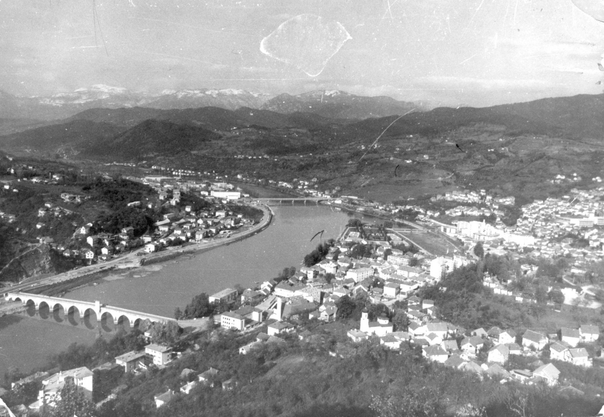 Granica na Drini: Stvaranje mita i njegovo rušenje preko kostiju Bošnjaka