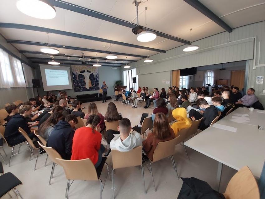 """Norveška: """"Ko sam to ja?"""" – kurs za 80 mladih iz bošnjačkih džemata"""